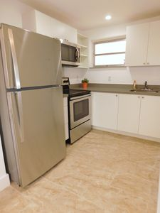 Photo for Hollywood, close to shopping and beaches. New apartment, perfect gateway!!