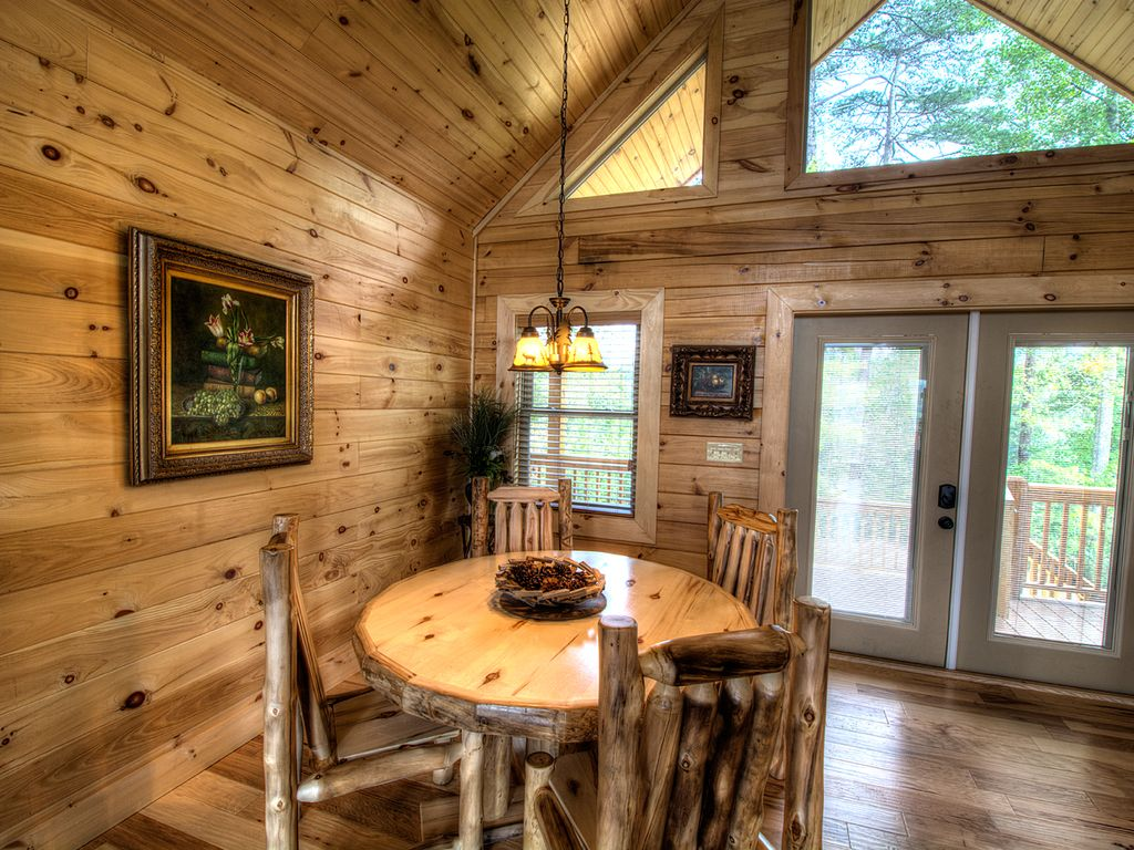 Sweet t 39 s cabin brand new mtn views great smoky national for Smoky mountain nc cabin rentals