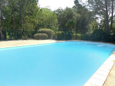 Photo for Lovely apartment for 5 people with WIFI, pool, TV and parking