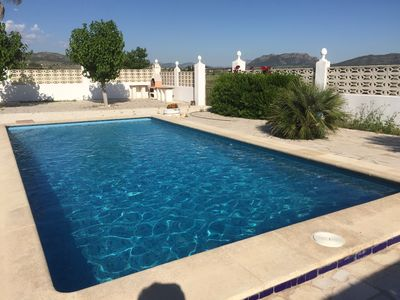 Photo for Beautiful villa with swimming pool in Salinas, between vineyards and olive trees.