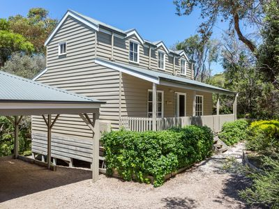 Photo for BLISSFUL HIDEAWAY - Rye, VIC