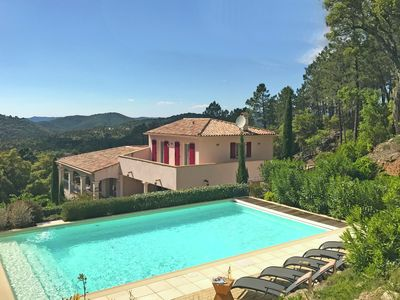 Photo for Splendid villa with private pool on secure private domain, 16 km from Ste Maxime