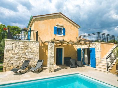 Photo for Luxusvilla mit privatem Pool