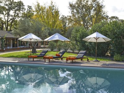 Photo for 5BD 5.5BA w/ Pool home.  An Oasis just minutes to Downtowns Sonoma & Glen Ellen