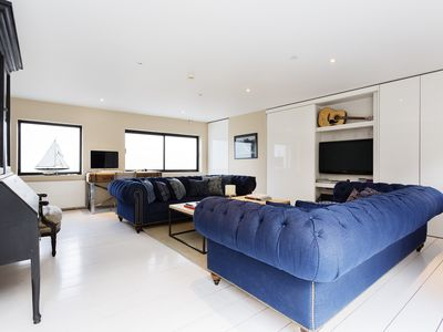 Photo for UP TO 20% OFF - A sophisticated mews house in sought after Nothing Hill - Veeve
