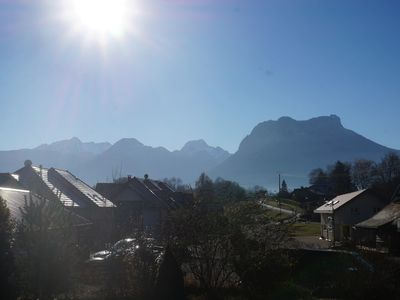 Photo for Comfortable apartment on Lake Annecy
