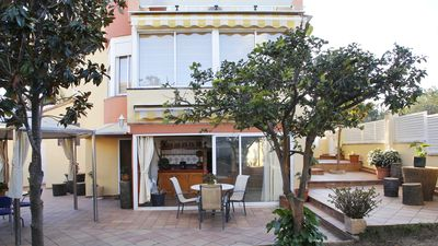 Photo for 5 bedroom house very well equipped with pool just 900 meters from the beach