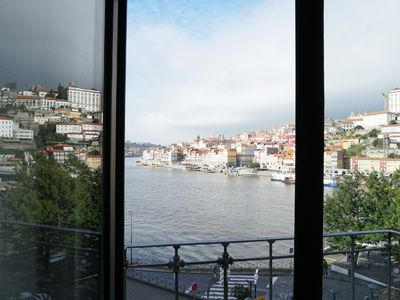 Photo for Porto view 1B studio apartment with terrace
