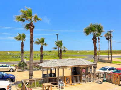 Photo for NEW LISTING! Dog-friendly waterfront condo w/shared pool near Schlitterbahn