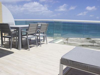 Wonderful PH duplex-feel as if you were on a boat and really grasp the sea view!