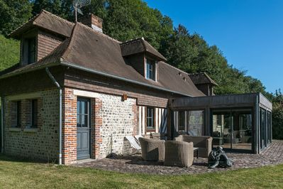 La Bergerie, a former flint and brick croft has kept all its authentic features.