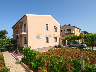 Photo for Apartment 1563/16006 (Istria - Stinjan), Family holiday, 700m from the beach