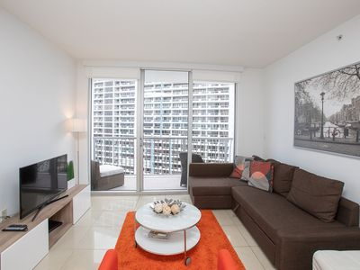 Luxury 1BD/1BT Apartment with Ocean View in Downtown
