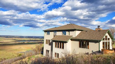 Photo for Beautiful spacious home with vast views on open space, 10 mins from Boulder