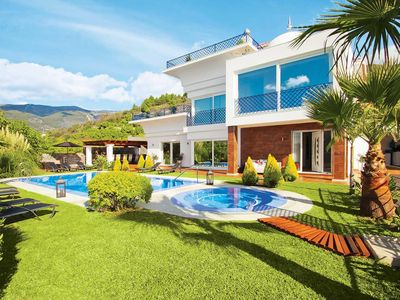 Photo for 5 bedroom Villa, sleeps 10 in Canillas de Albaida with Pool, Air Con and WiFi