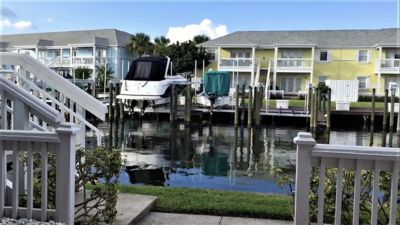 Photo for Resort style waterfront living on Coquina Key/ Tampa Bay!