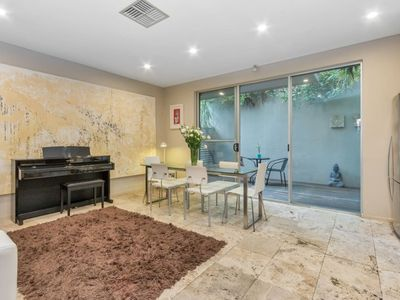 Photo for Contemporary Townhouse in Adelaide City Centre