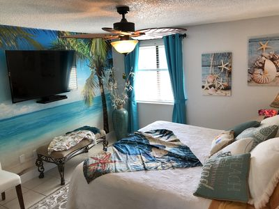 """Master Bedroom, 60 """"  Flat Screen TV. Full Cable. Pillow Top King Bed."""