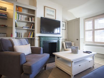 Photo for Wonderful Gloucester Road/Hyde Park 2bed/1.5bath Mews House