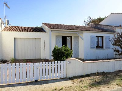 Photo for Vacation home Les Ombrines  in La Tranche - sur - Mer, Vendee - 4 persons, 2 bedrooms