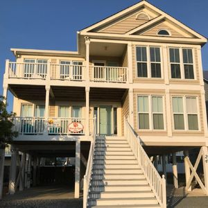Photo for 5BR/4.5BA pet ok, private pool. STAY 3, GET 4th NIGHT FREE FALL/SPRING