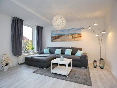 Photo for Nice sunny apartment with terrace by the sea