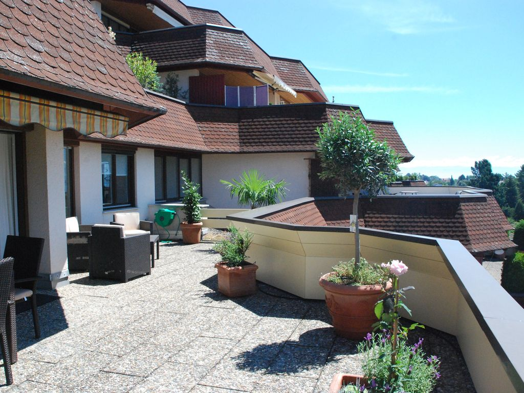Dream terrace apartment in meersburg with stunning views for Bodensee apartment
