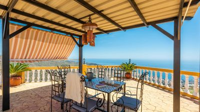 Photo for Holiday home with terrific sea views and lovely terrace near Almuñécar