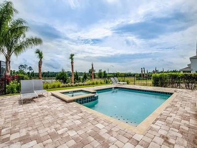 Photo for Luxury Vacation less than 15 minutes from Disney