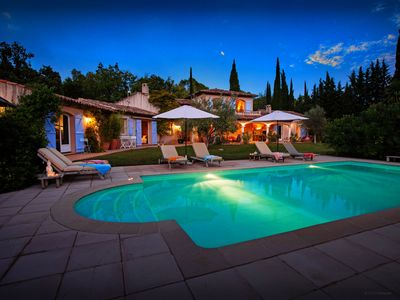 Photo for Your dream villa in Provence with pool, terraces and garden - OVO Network