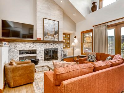 Photo for Vaulted ceilings with shared pool/hot tub and ski-in/ski-out access