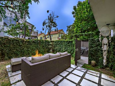 Photo for Luxury Venice Beach Home With Yard and Fire Pit
