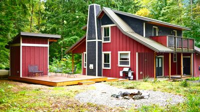 Photo for Sasquatch Mountain Hideaway, 3 Bed, 3 Bath W/ Sauna, Hot Tub, Firepit & WiFi