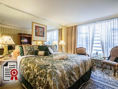 Photo for 1BR Hotel Suites Vacation Rental in Vancouver, BC