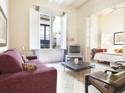 Photo for HABITAT APARTMENTS - Spacious 3 bedroom apartment in Barri Gotic