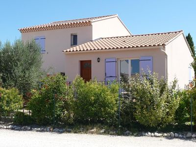 Photo for Villa with pool in a Provencal village
