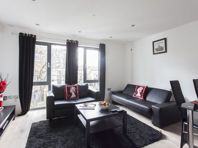 Photo for River Thames 1B apartment in Southwark with WiFi & lift.