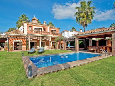 Photo for Holiday villa with 5 bedrooms, private pool, Nueva Andalucia, Marbella