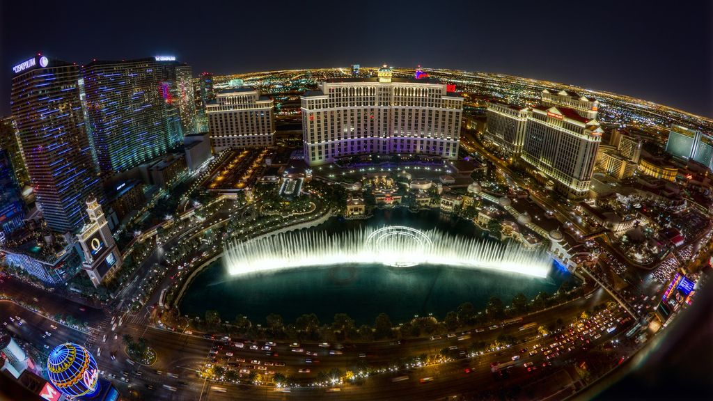 Across from Bellagio ON THE STRIP Luxury Suite w/Kitchen