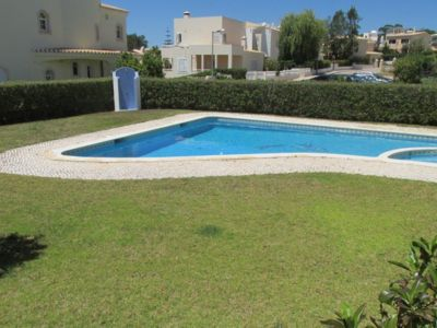 Photo for Excellent T2 w / Garden and Terrace in Gated Community Praia do Vau