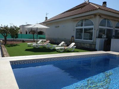 Photo for CASA PERLA,Ideal house for your holidays near the sea, free wifi, air conditioning, private pool, pets allowed, dog's beach.