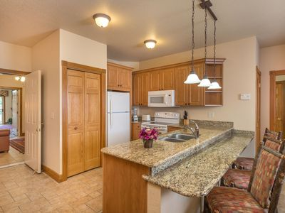 Photo for Family Friendly Resort w/WIFI, Pools, Dining & Nearby Entertainment