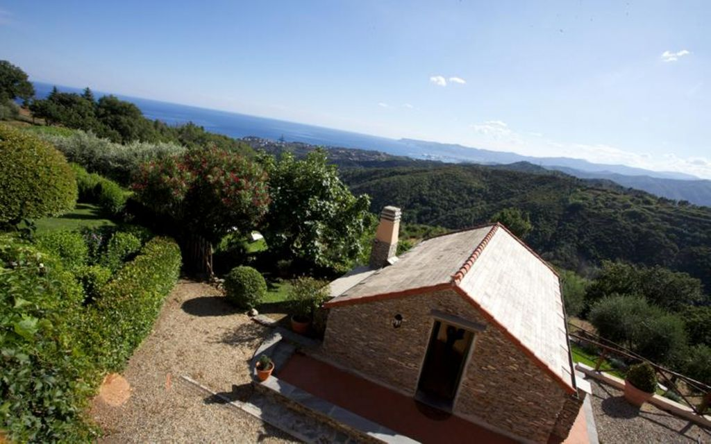 Agriturismo al mare per 7 persone a celle ligure 8146811 for Piccole case costiere