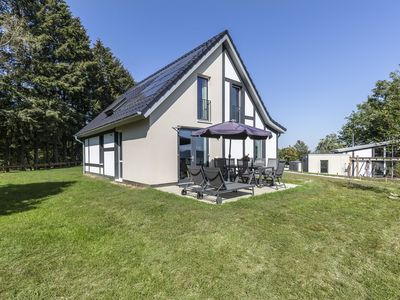 Photo for Luxury 8-person bungalow in the holiday park Landal Mont Royal - in the mountains/rolling countryside