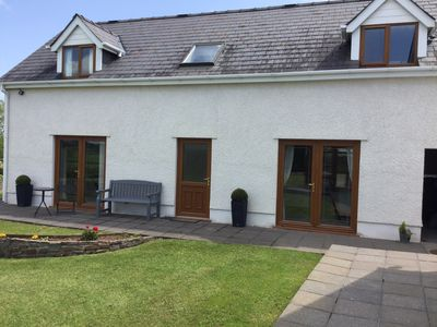 Carreg Las, a detached annexe in a peaceful location with countryside views