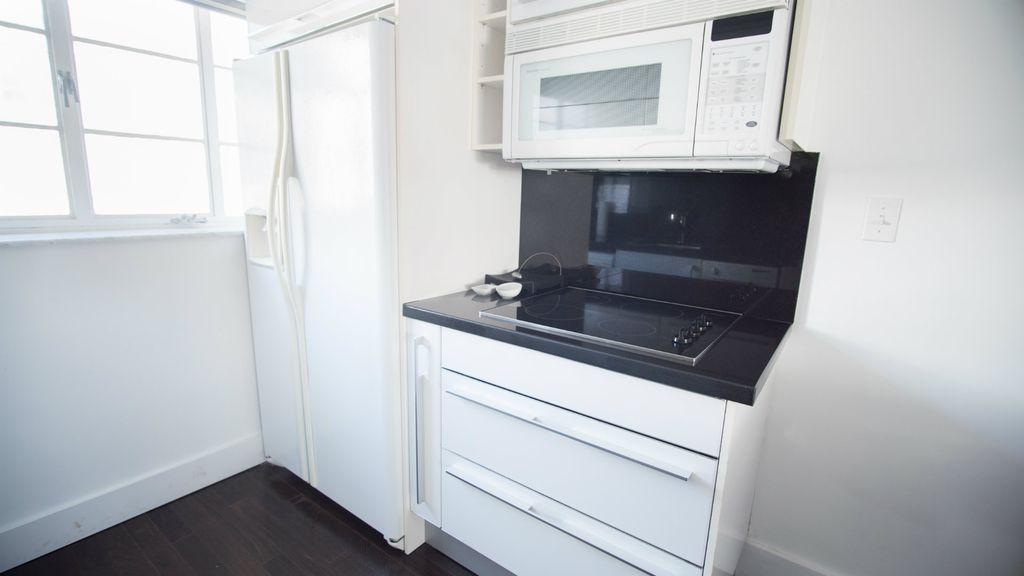 SoBe 1611 Lincoln Road Apartments 2BD | 2BA ! - Two Bedroom Apartment, Sleeps 8