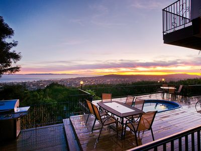 Set your alarm for sunset because you'll want to make sure you're home in time for the show. The deck has a dining table, gas grill, and hot tub.