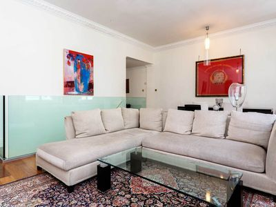 Photo for 2 bed apartment in the heart of London - beautiful Notting Hill (Veeve)