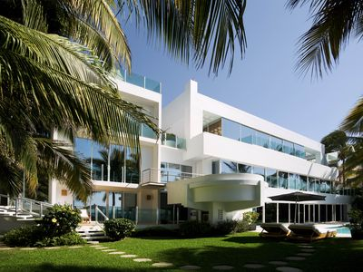 Photo for 6 BEDROOM MODERN BEACH HOUSE WALK TO TOWN
