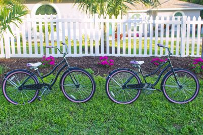 Quiet setting across from a preserve, fenced on half an acre, bikes for guests.